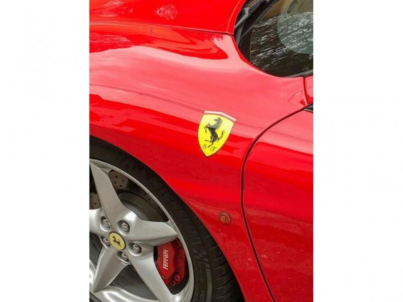 Percurso de 26,5 km  dirigindo a Ferrari F-360 Modena F1